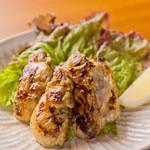 三匠 - 広島産牡蠣のバターソテー