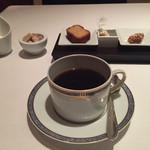 ルコック - コーヒーとお茶菓子