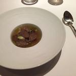 ルコック - グリルした鶉と秋トリュフのスープ