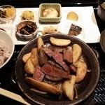 31914384 - 黒毛和牛もも肉ステーキのおばんざいプレート