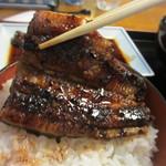 うなぎの冨さん  - 蒲焼き独特の甘みのあるタレはご飯と良く絡んで鰻の旨みを倍増させお箸が進みました。   今回は蒲焼きだったんで次回柳川に行った時はセイロ蒸しかな。