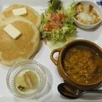 パンケーキcafe あいあん - キーマカレー&そば粉パンケーキ¥900
