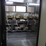 今井食堂 - たくさんの鍋