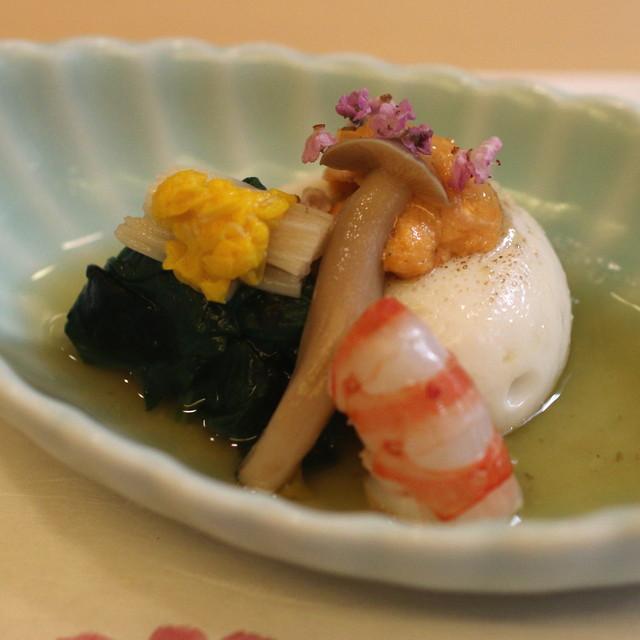 山玄茶 - 先付 (炙り胡麻豆腐、海老、丹波のしめじ、ほうれん草のお浸し) (2014/10)