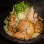 ラーメン 一遊 - ガッツリ濃厚豚骨塩ラーメン(830円)