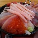 鯛喜 - 豪華海鮮丼アップ