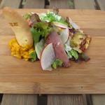 ビストロアンドカフェ タイム - 彩りの良い「前菜」は何種類もの食材が盛り付けられています。