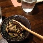 31935727 - 信州名物くらかけ豆/煮豆と云うよりは食感が残る豆のおひたしの様