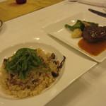 ヴァンセーヌ - 3600円コースのメイン。牛肉のポアレと、炊き込みピラフ。