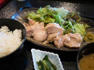 村民食堂 - 鶏の塩麹蒸し定食