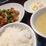 中国美食 唐苑酒楼 - 鶏肉と野菜の唐辛子炒め定食