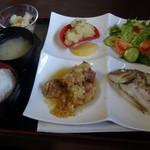 ダイニングキッチンひまわり - 料理写真:鯛の塩焼き!素晴らしい