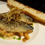 ペシェグラン - メインの魚料理