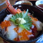 おけしょう鮮魚の海中苑 - ミニ海鮮丼♪そんなにミニでもなかったように♪