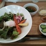 31949453 - Aランチ お野菜たっぷりご飯。スープ、つけもの付き。