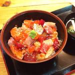 31952195 - 旬の丼(角切り漬け丼)800円 (2014-10-27)