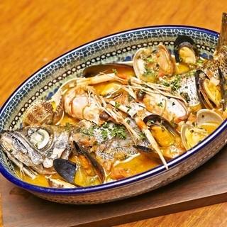 カフェ キャラット - 丸ごと1本!本日鮮魚のブイヤベース