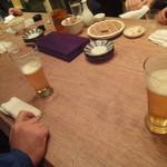 酒々屋 暁月 - 立ち飲みテーブル