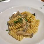 茨城レストラン フェリチタ - 契約農家さんのきのこのカルボナーラ フジッリ・白トリュフの香り