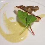 茨城レストラン フェリチタ - 平潟港石なぎのポワレ 茨城県産ニンニクとアンチョビのソース