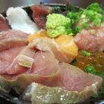 海女房 - おまかせ海鮮丼アップ