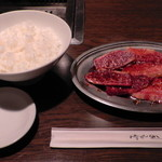 焼肉ハウス赤うし亭 - 料理写真:H26.10.26 カルビ+ライス(中)1,290円