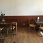 ビアック大盛軒 - ビアック大盛軒 テーブル席1
