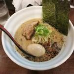 麺場ながれぼし - 料理写真:・「らーめん島 たまご入(\700)」