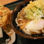 さぬき安べえ - 1コインセット(うどんころ、かき揚げ、おにぎり)、温玉(追加)(2014.10.28.)