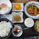 弥助寿司 - 平目・鯛の揚げ煮定食