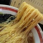 ○俊らーめん - 料理写真:ラーメン麺リフト
