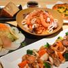 Kicchinkafeyurishisu - 料理写真:ユリシスパーティーメニュー。・カルパッチョ風サラダ ・ピザ ・魚貝類のパスタ ・チキンのソテーフォアグラ添え ・自家製デザート ・コーヒー  お一人様 2200円 プラス500円でオムライスが付きます  3名様以上で要予約