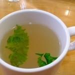 ラポーズカフェ - セットのスープ