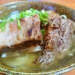 レストラン岬 - 軽く炙ったソーキ肉