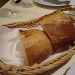 ラ・ベルタ - 自家製パン