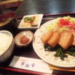 3199593 - ボリゥムいっぱい日替わりのラフテー定食☆