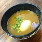麺魂 - 一六つけそば(温)の味玉トッピング