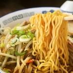 旭川ら~めん むら山 - 正油野菜ちゃ~しゅ~めん(麺)