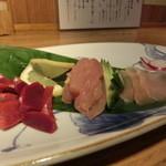 とり徹 - 地鶏 幻の大分県産地鶏の刺身 砂肝、ササミ、ムネ