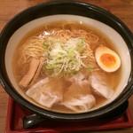 肉そば家 笑梟 - 再訪日:2014.10.28       ワンタン麺