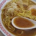 つかもと - スープは、豚骨ベース 少しだけ濁りあり