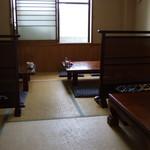 藤吉郎 - ランチ時、禁煙のお座敷