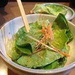 焼肉ハウス マンボウ - マンボウサラダ