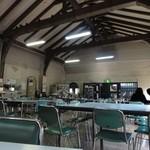 玉屋食堂 - 店内 福山雅治の主演ドラマ「ガリレオ」で大学の食堂として撮影されてます。