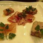 銀座Toriya Premium - 鶏生ハム、冷製フォアグラテリーヌ、生ハム(豚)、パテ・ド・カンパーニュ、白レバーのテリーヌ