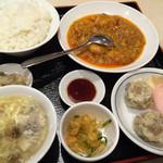 四川飯店 - 大エビチリ定食(1000円)