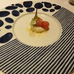 32022988 - リコッタチーズのムースとトマト、生姜とバニラ、蜂蜜