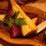 KICHIRI GARDEN TABLE - サツマイモのフライドポテト ハニーディップ添え(590円 税抜)