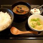 健食酒場 MK Dining - 国産牛もつ煮定食(780円)