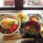 Come.comeのおばちゃんとこ - 料理写真:今日の丼定食、チャーシュー丼600円